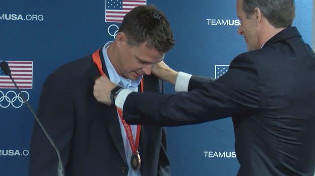 derek-miles-olympic-bronze-medal-senator-john-thune_523866530621