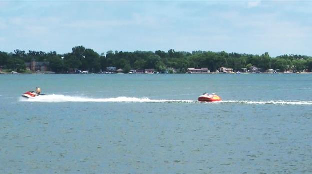 lake-madison-boating-safety_106612520621