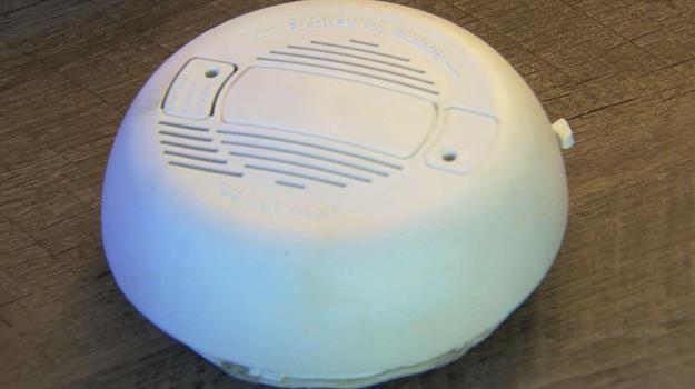 carbon-monoxide-detector-alarm_813419540621