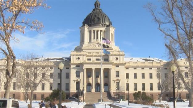pierre-capitol-south-dakota-capitol-state-capitol_91705550621