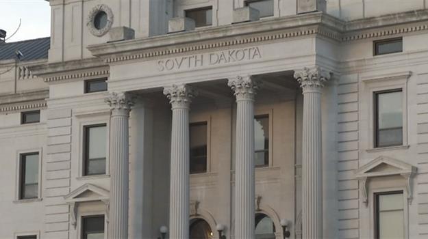 pierre-state-capitol-pierre-capitol-south-dakota-capitol_114726530621