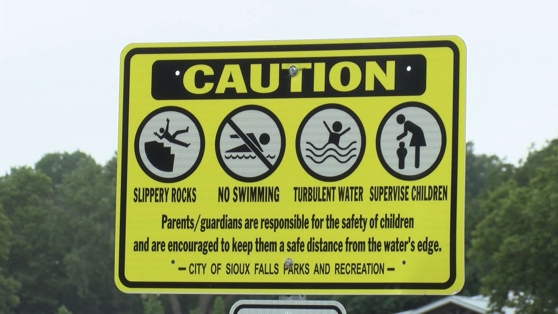 Falls Park Caution Sign_1529377560777.jpg