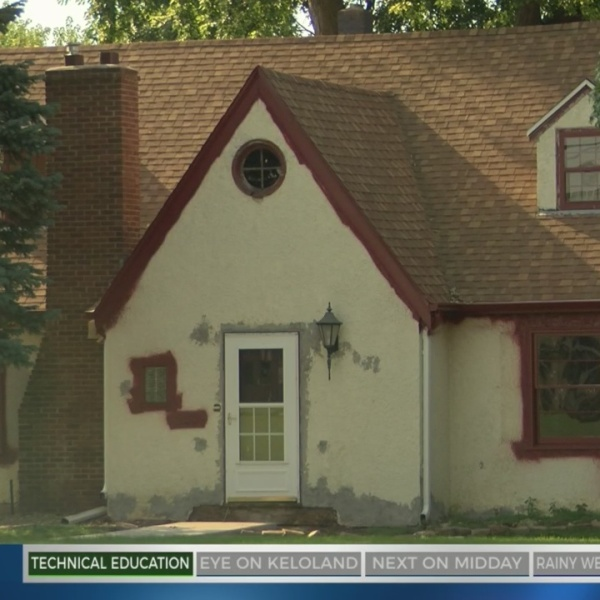PREVIEW: Flipping Older Home Leads To Exciting Find
