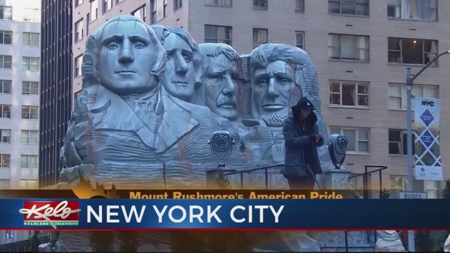 Mount Rushmore Float Receives Warm Reception In Macy's Thanksgiving Day Parade