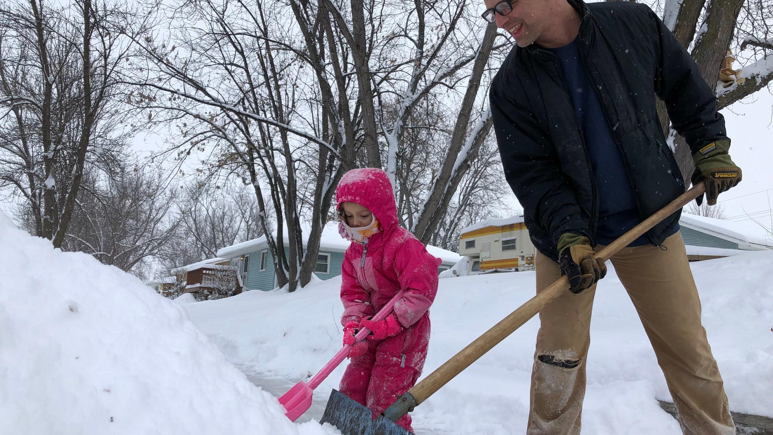 KELO ushare Feb 20 Snow Cleanup