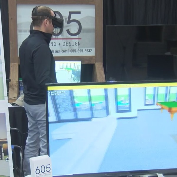 House Visualization Through Virtual Reality Goggles