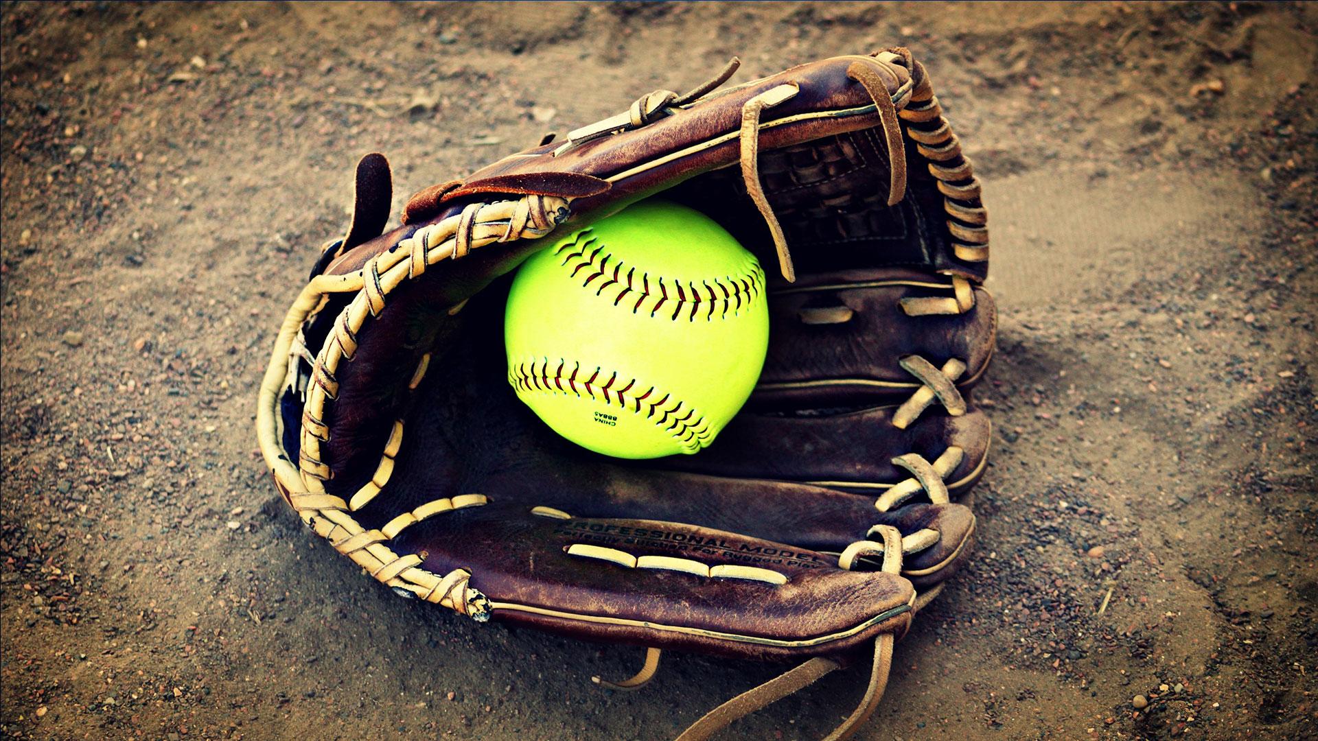 KELO-sports-generic-softball-2_1529437991135.jpg