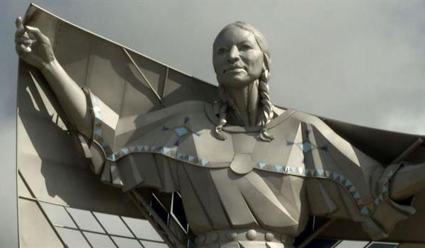 dignity-sculpture_211620530621