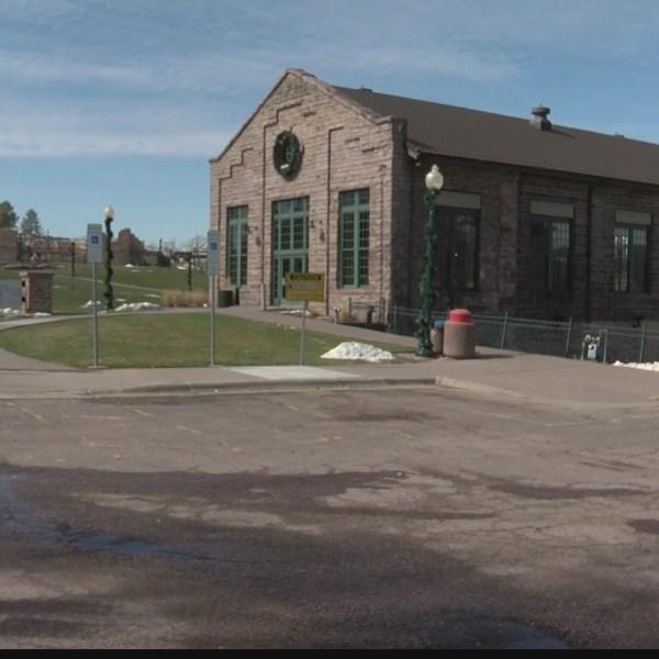 Stensland details plans for Falls Park cafe