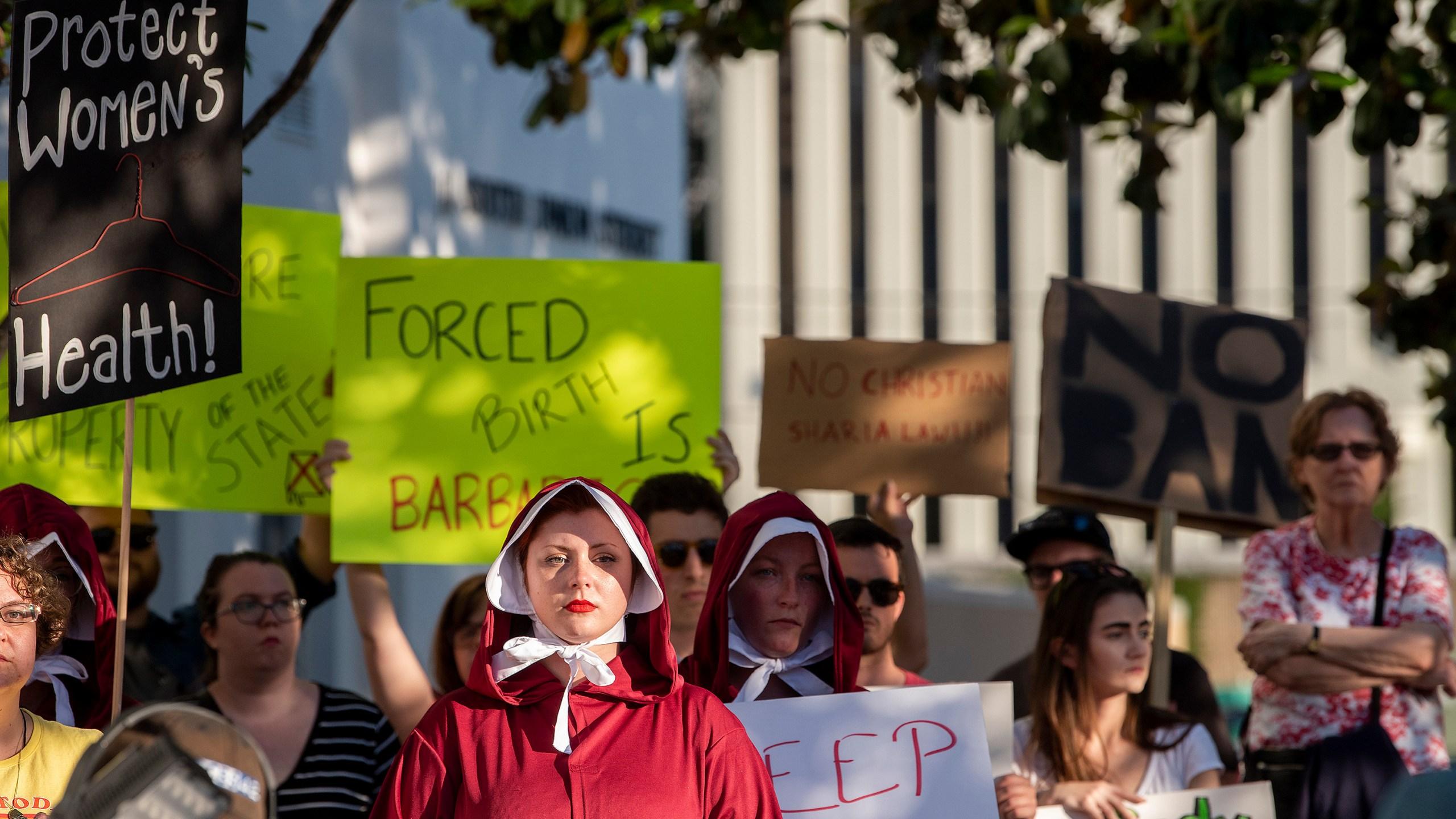 Abortion_Ban_Alabama_54785-159532.jpg53038273