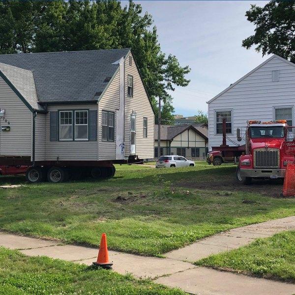 KELO house move 2