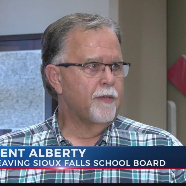 Longtime Sioux Falls School Board member is leaving