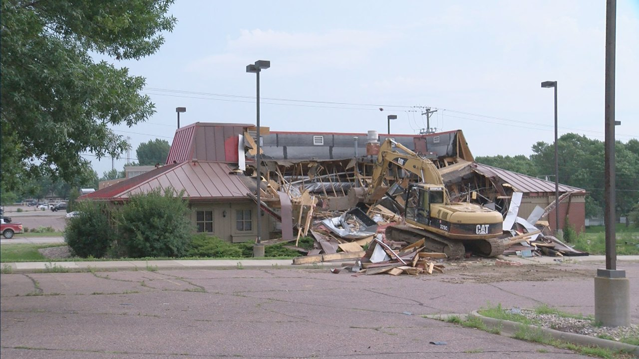East 26th Street Pizza Hut building being demolished ...